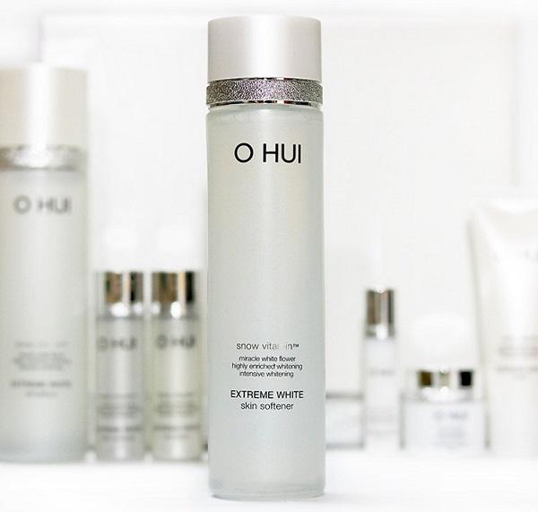 Thiết kế sang trọng của Ohui Extreme White Skin Softener 150ml